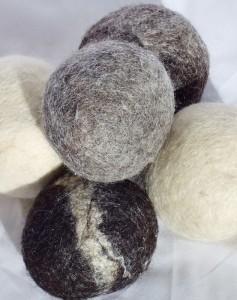 wool felted dryer balls  plumblossomfarm.com